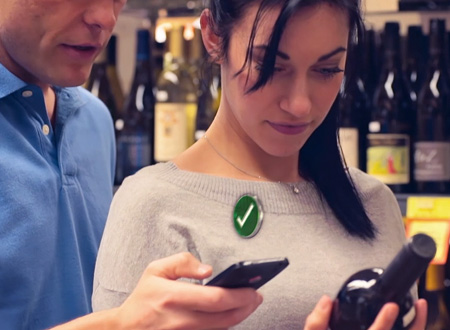 couple-shopping-for-wine-anti-counterfeiting